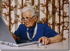 old-woman-using-laptop